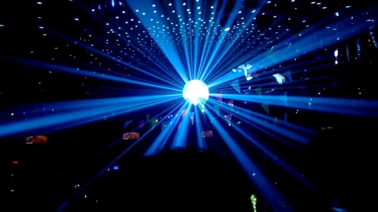 Hỏi xin báo giá đèn LED nháy theo nhạc cho quán Bar?