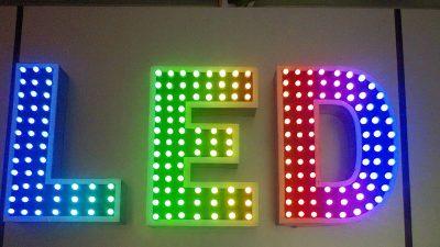 [Hỏi đáp] Tìm hiểu về đèn LED full color là gì?